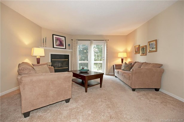 405 Mill Pond Drive 405, South Windsor, CT - USA (photo 4)