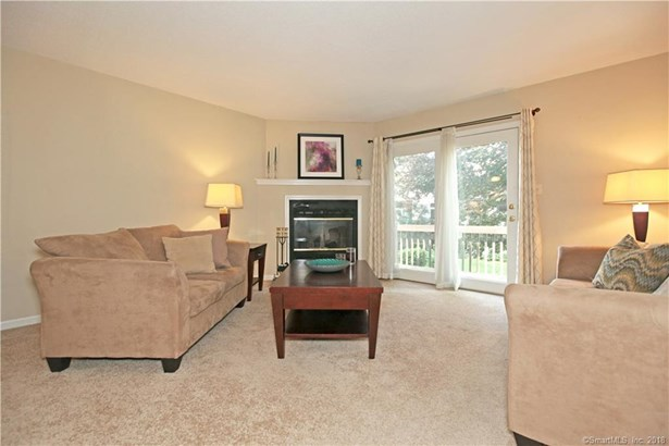 405 Mill Pond Drive 405, South Windsor, CT - USA (photo 5)