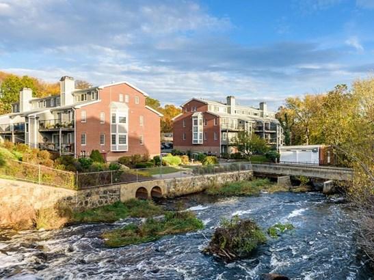 16 N Stone Mill Dr 1024, Dedham, MA - USA (photo 1)