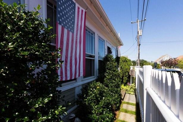36 Pleasant Street 1, Provincetown, MA - USA (photo 3)