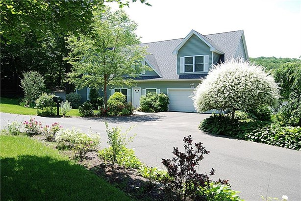 203 Twin Lakes Road, North Branford, CT - USA (photo 2)