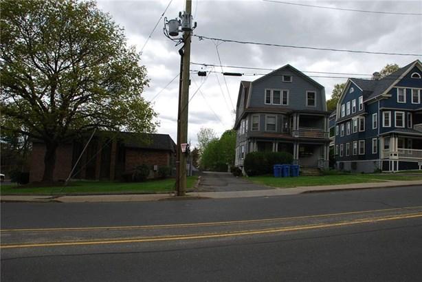 25 Robbins Street, Waterbury, CT - USA (photo 2)