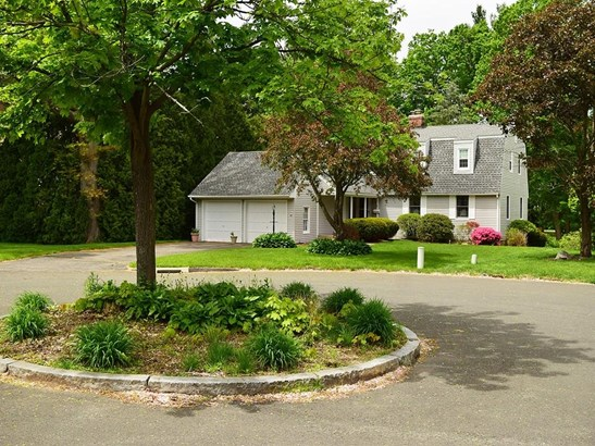 10 Hedwig Court, West Hartford, CT - USA (photo 2)