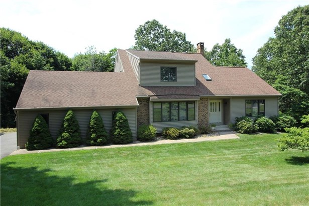 83 Oakwood Circle, Bristol, CT - USA (photo 1)