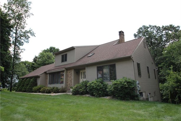 83 Oakwood Circle, Bristol, CT - USA (photo 2)