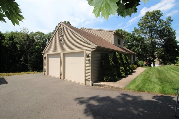 83 Oakwood Circle, Bristol, CT - USA (photo 4)