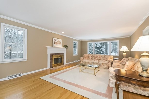 332 Pinewood Dr, Longmeadow, MA - USA (photo 4)