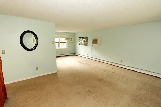 865 Totoket Road, North Branford, CT - USA (photo 5)