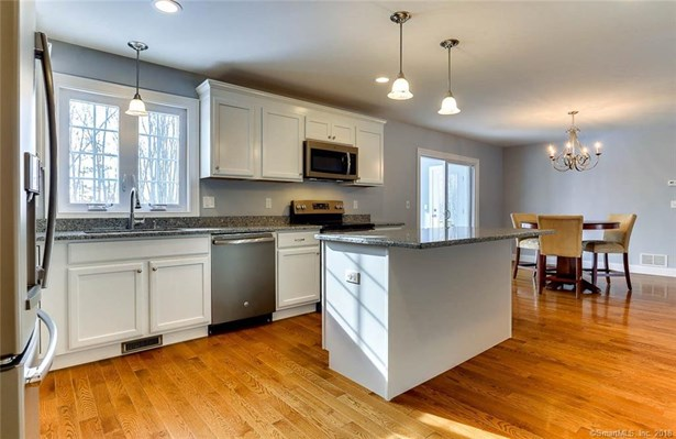 5 Newberry Village 5, East Windsor, CT - USA (photo 3)