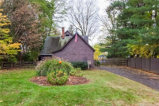 9 Brightwood Lane, West Hartford, CT - USA (photo 2)