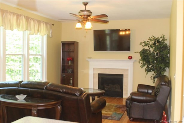 17 Arvida Road, Wolcott, CT - USA (photo 5)