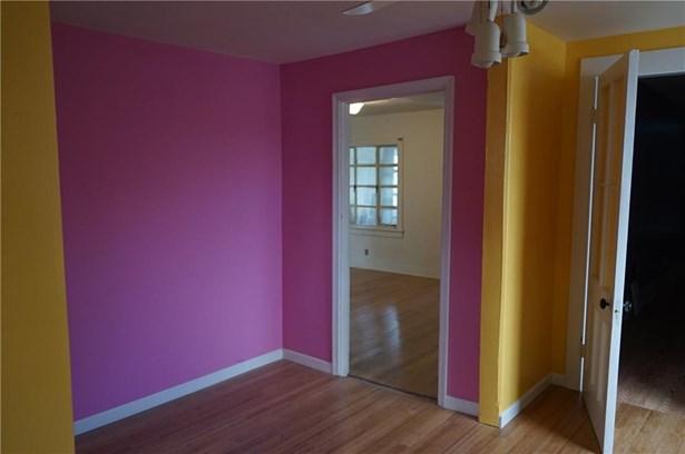 249 Harral Avenue, Bridgeport, CT - USA (photo 4)