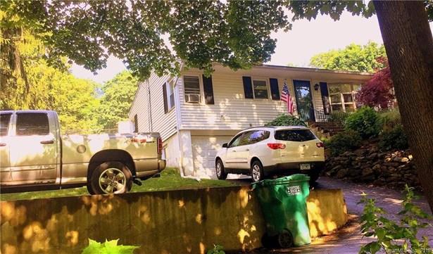 75 Skokorat Street, Seymour, CT - USA (photo 1)