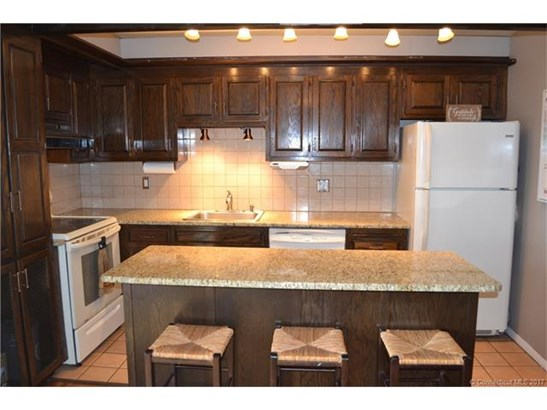 103 Country Squire Drive F, Cromwell, CT - USA (photo 1)