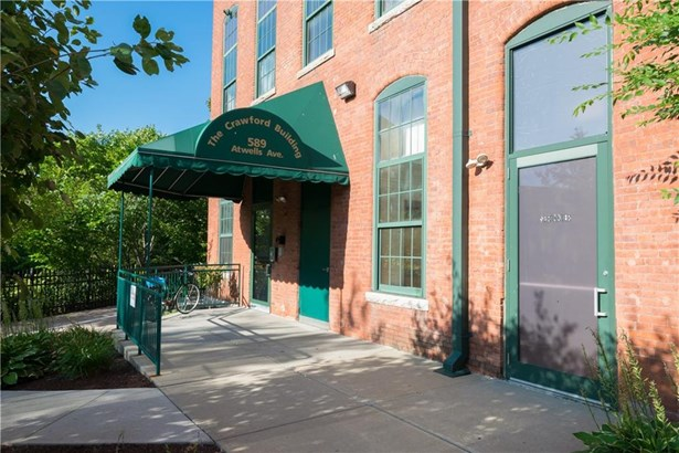 589 Atwells Av, Unit#33f, Providence, RI - USA (photo 1)