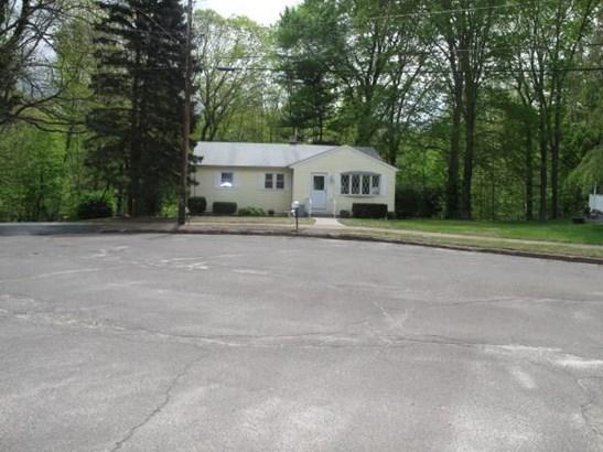8 Circle Drive, East Haven, CT - USA (photo 1)