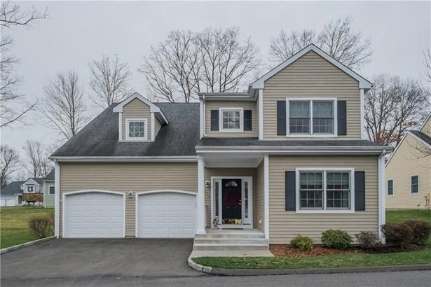 290 Maple Oak Drive 290, Stratford, CT - USA (photo 1)