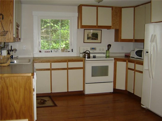 22 Simsbury Road, Granby, CT - USA (photo 3)
