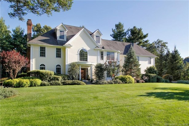 56 Surrey Lane, Trumbull, CT - USA (photo 1)