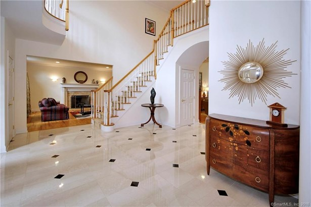 56 Surrey Lane, Trumbull, CT - USA (photo 4)