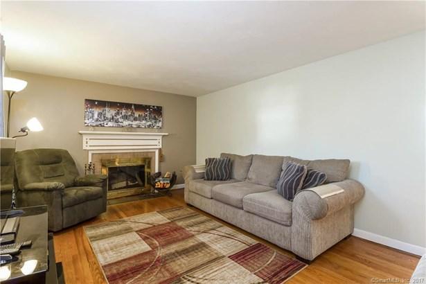 591 Hills Street, East Hartford, CT - USA (photo 2)