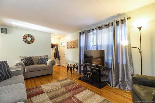 591 Hills Street, East Hartford, CT - USA (photo 3)