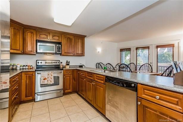 3250 Fairfield Avenue 215, Bridgeport, CT - USA (photo 5)