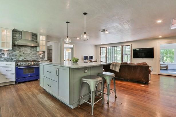 72 Woodland Rd, Milton, MA - USA (photo 3)