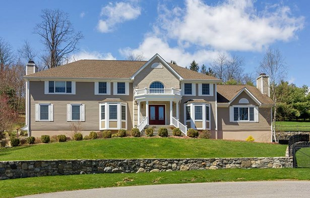11 Valley Drive, Yorktown Heights, NY - USA (photo 1)