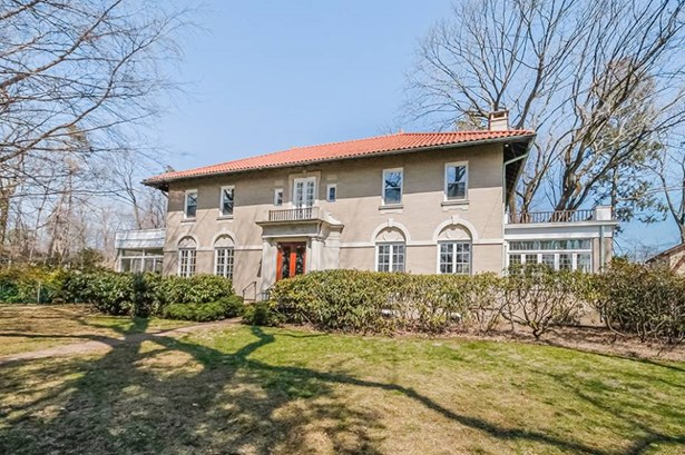 302 Ocean Drive West, Stamford, CT - USA (photo 3)
