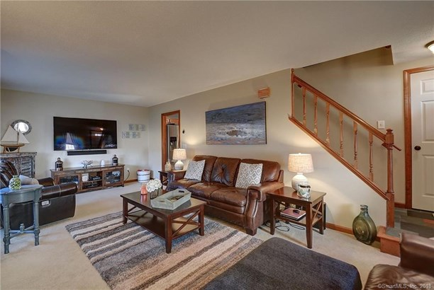 761 Lydall Street, Manchester, CT - USA (photo 4)