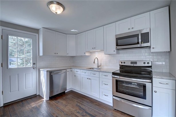 145 Westerly Terrace, East Hartford, CT - USA (photo 5)