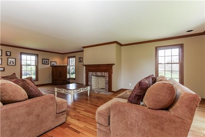 15 Davenport Farm Lane East, Stamford, CT - USA (photo 4)