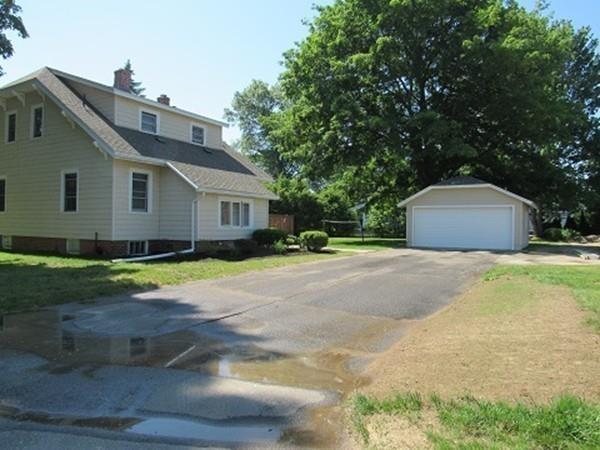 126 Lathrop St., South Hadley, MA - USA (photo 5)