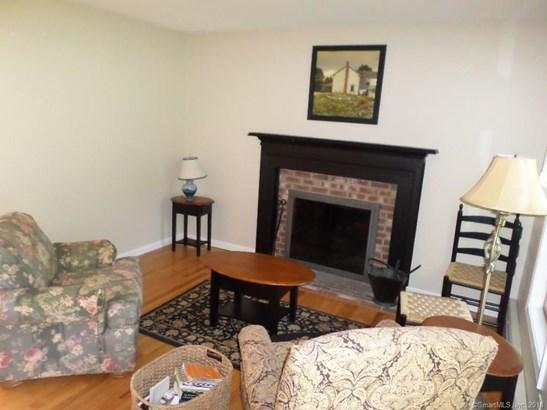 42 Sherwood Lane, Marlborough, CT - USA (photo 2)