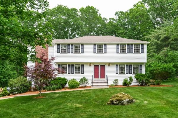 74 Indian Hill Rd, Medfield, MA - USA (photo 2)
