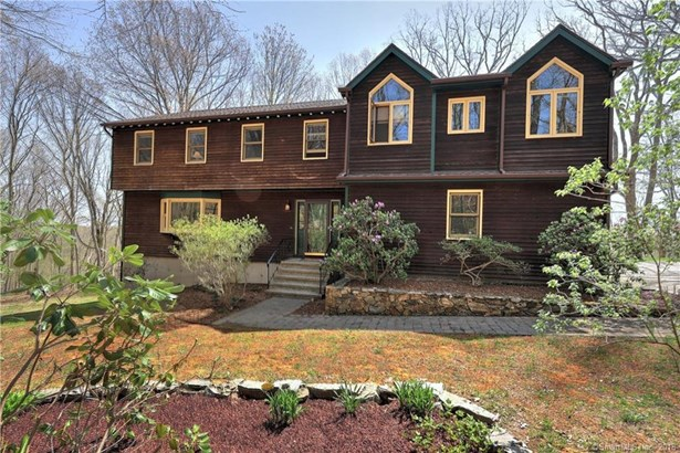 200 Porters Hill Road, Trumbull, CT - USA (photo 3)