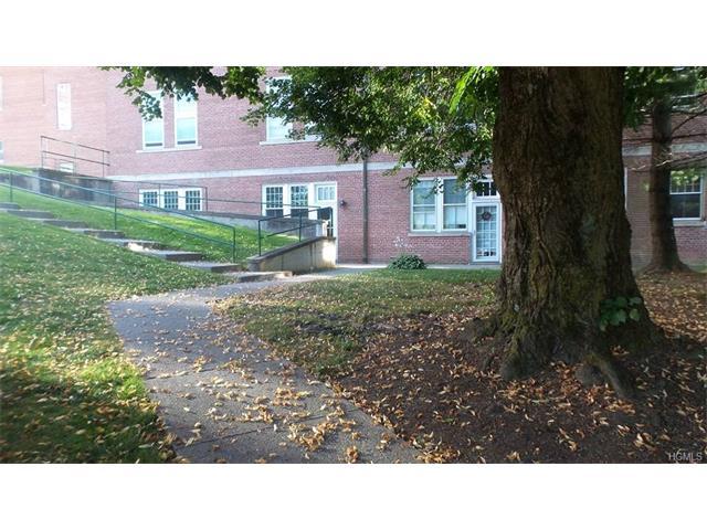 1404 Villa At The Woods, Peekskill, NY - USA (photo 3)