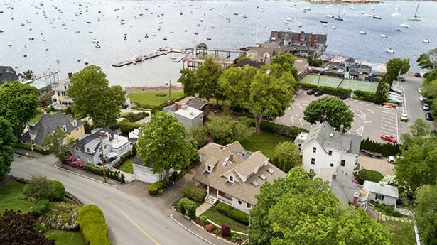 410 Ocean Avenue, Marblehead, MA - USA (photo 2)
