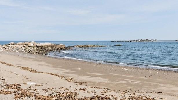 256 Ocean Ave, Marblehead, MA - USA (photo 5)