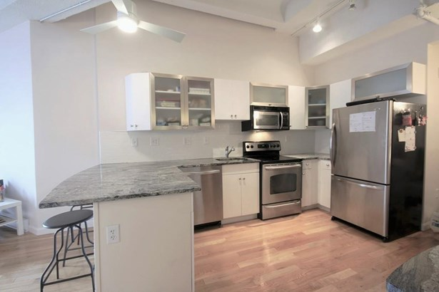 12 Stoneholm 323, Boston, MA - USA (photo 2)