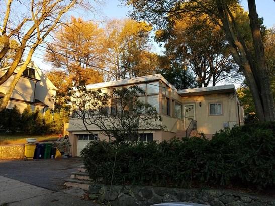 12 Princeton St, Newton, MA - USA (photo 3)