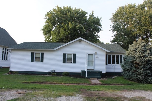 Ranch, Single Family - Fairview, IL