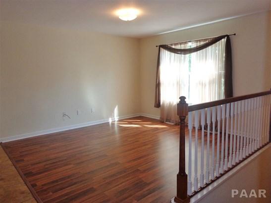 Split Foyer, Single Family - Peoria, IL (photo 4)