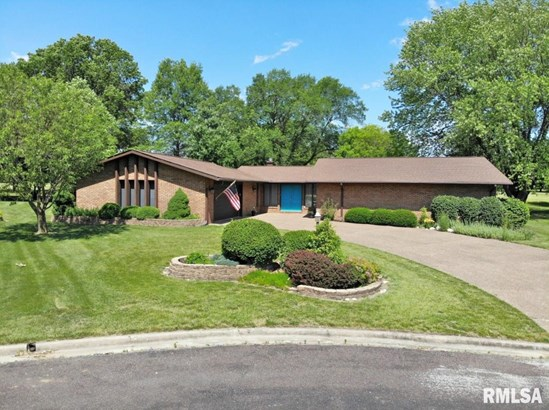 Ranch, Single Family - Pekin, IL