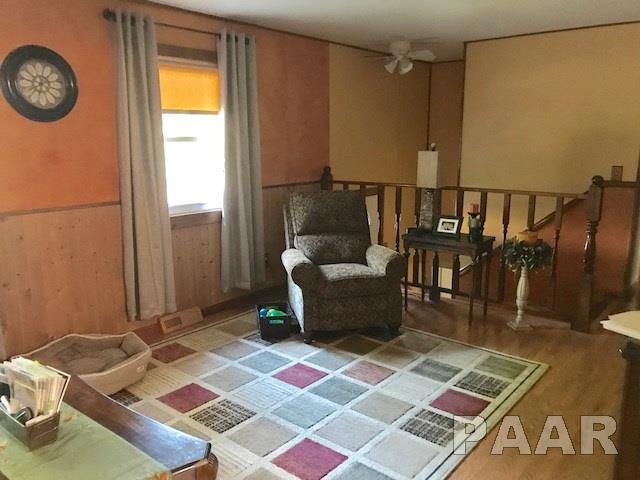 Split Foyer, Single Family - Pekin, IL (photo 3)