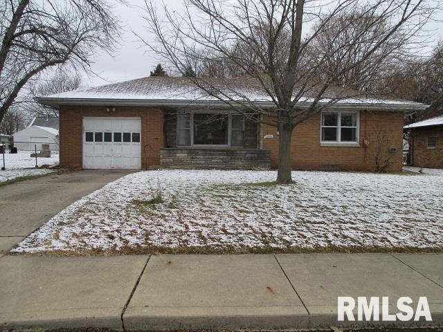 Ranch, Single Family - Peoria, IL