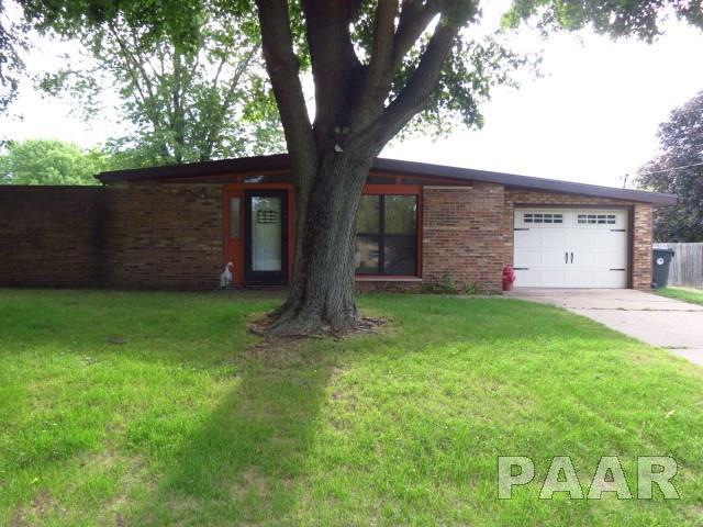 Ranch, Single Family - Manito, IL (photo 4)