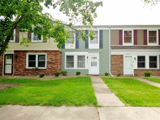 Attached Single Family, 2 Story - Peoria, IL
