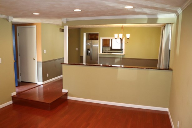 Ranch, Single Family - West Peoria, IL (photo 3)